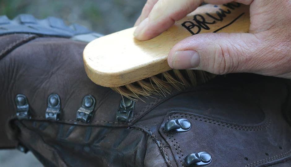 Как вывести запах плесени из обуви