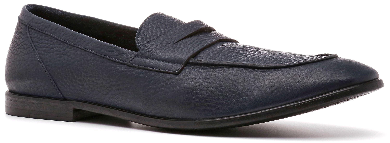 Ralf Ringer Modern 599101СН Весна-Лето 2017Лоферы<br>Летние лоферы NESTA линии Modern — в тренде последнего времени. Это обувь, без которой гардероб современного мужчины будет некомплектным. Характерная особенность модели — тонкая резиновая подошва и отсутствие подкладки, делающие ее невесомой на ноге. В не...<br><br>Цвет: Синий<br>Размер RU: 45<br>Пол: Мужской<br>Возраст: Взрослый<br>Сезон: Лето<br>Материал верха: Натуральная кожа<br>Материал подкладки: Без подкладки<br>Материал подошвы: Резина